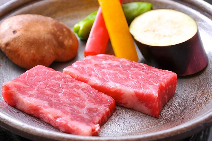 飛騨牛をはじめ飛騨の恵みの食材、匠の技を堪能できる